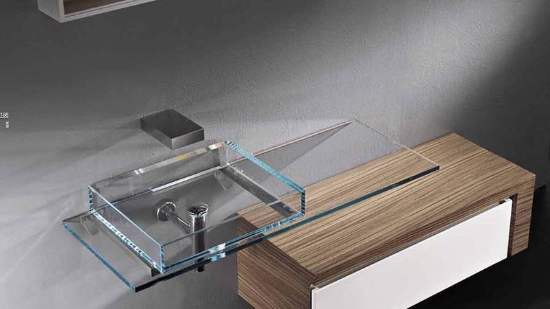 Стеклянная столешница для ванной