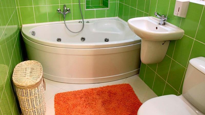 Ванная комната с туалетом дизайн для маленькой ванны
