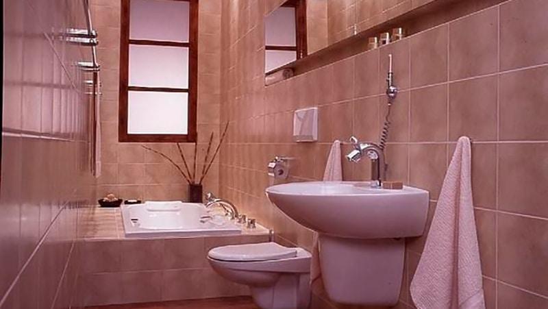 Фото дизайн длинной узкой ванной