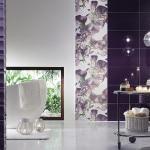 Фиолетовая плитка в дизайне ванной комнаты