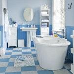 Голубая плитка в ванной