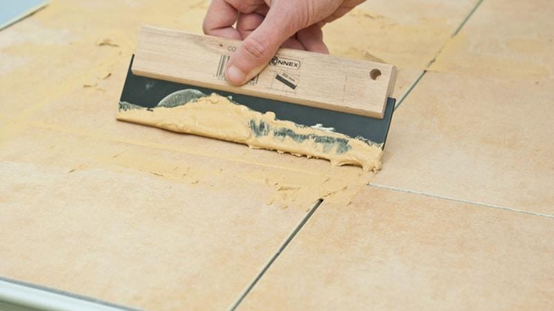 Как правильно делать затирку плиточных швов