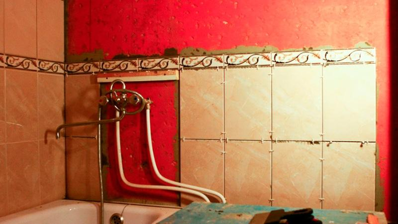 Как правильно класть плитку в ванной