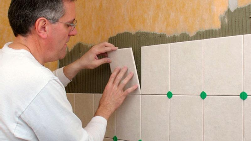 Как укладывать плитку в ванную