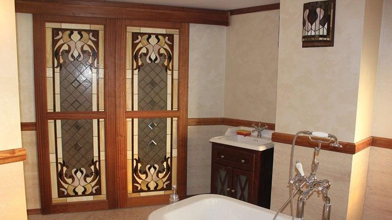 Эксклюзивные двери для ванной комнаты