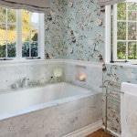 Какие выбрать обои в ванну