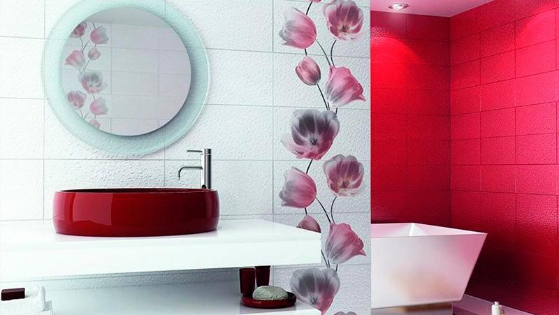 Плитка с цветами в ванной