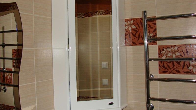 Навесные шкафы в ванную комнату
