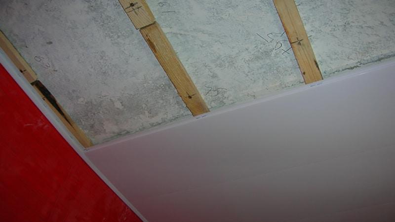 Пластиковые потолки своими руками фото