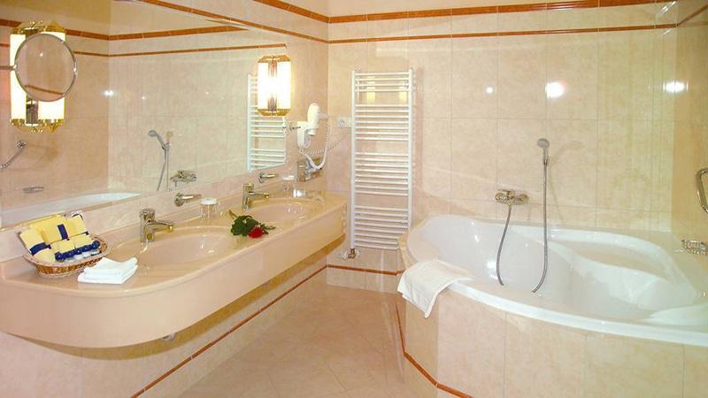 Примеры оформления ванной комнаты плиткой