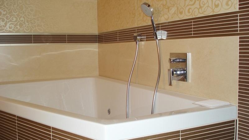Пластиковая плитка для ванной