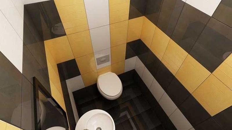 Сочетание плитки трех оттенков в небольшом туалете