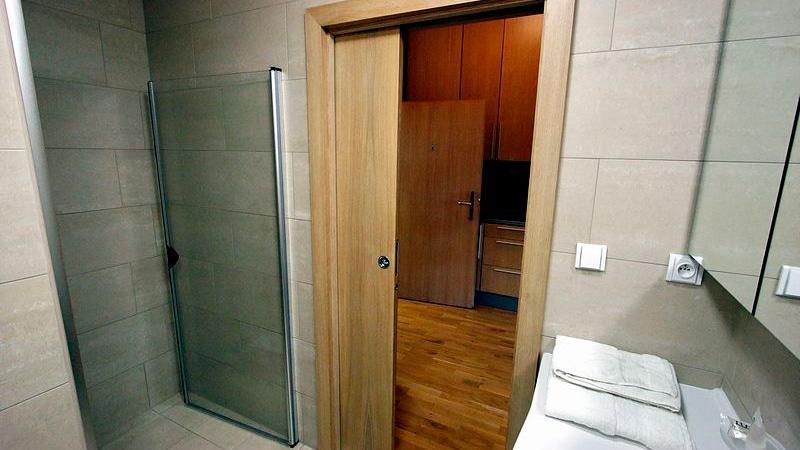 раздвижные двери - вариант оформления ванной