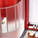 Пластиковая раздвижная шторка на угловую ванну