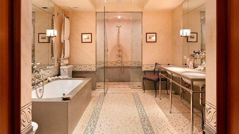 Роскошное оформление ванной комнаты