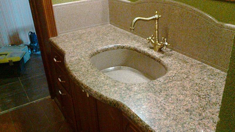 Искусственный камень в ванной фото