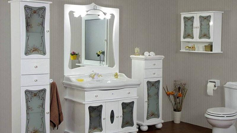 Шкафчики в ванную комнату классического дизайна