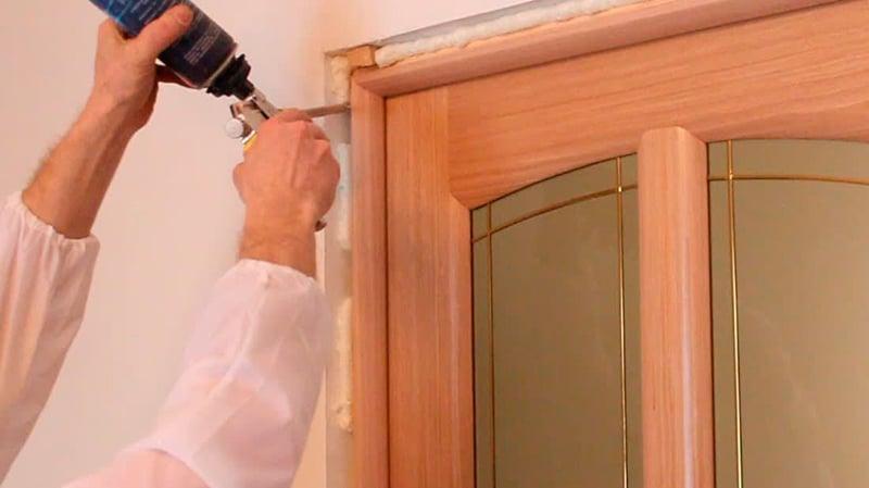 Установка своими руками межкомнатной двери