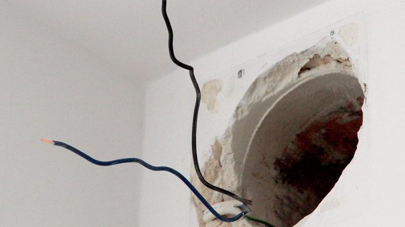 Установка вытяжного вентилятора в ванную комнату