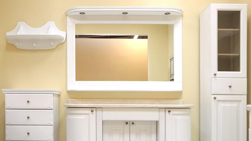 Зеркальный шкаф в классическом стиле