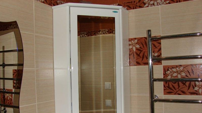 Угловой шкафчик с зеркалом