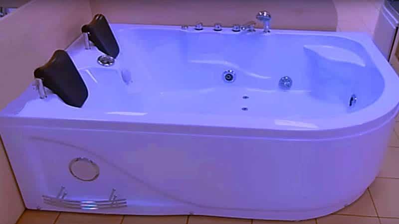 Ванная с гидромассажем