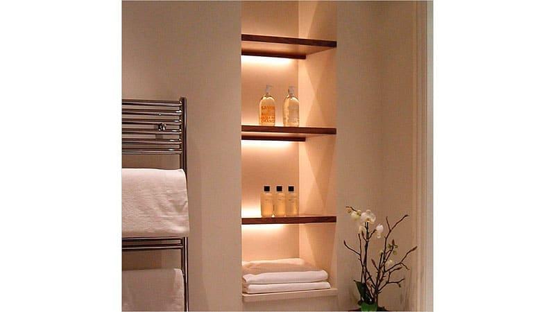 Освещение ванной с помощью влагозащитных конструкций