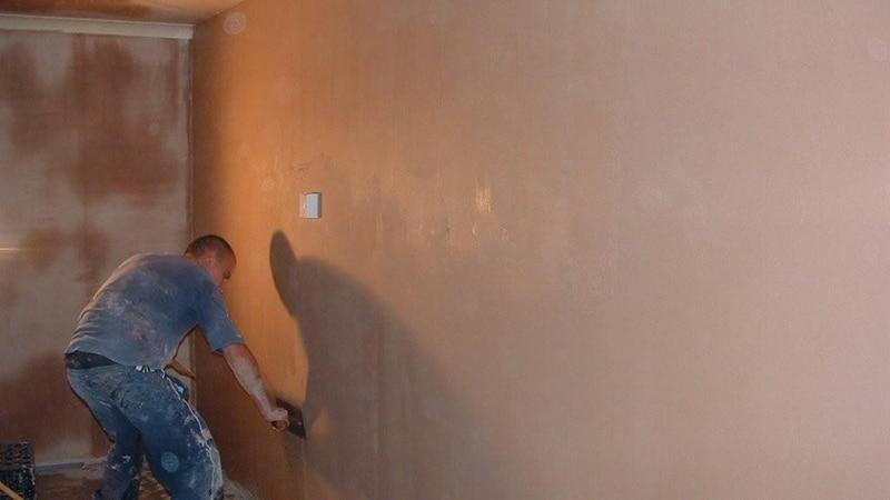 Чем выровнять стены в ванной под плитку