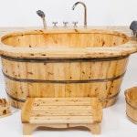Ванна из дерева в стиле кантри
