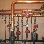 Гудит водопроводный кран
