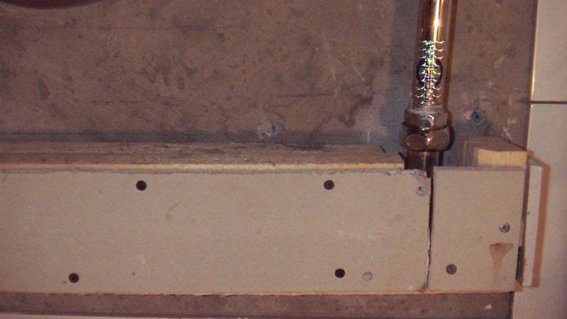 Как спрятать трубы в гипсокартон