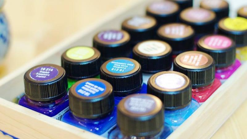 Специальные краски для кафеля и стекла