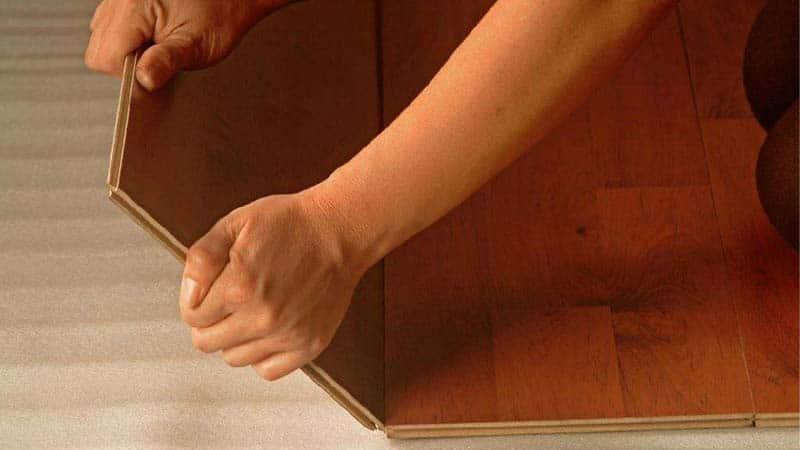Монтаж ламината для водяного теплого пола