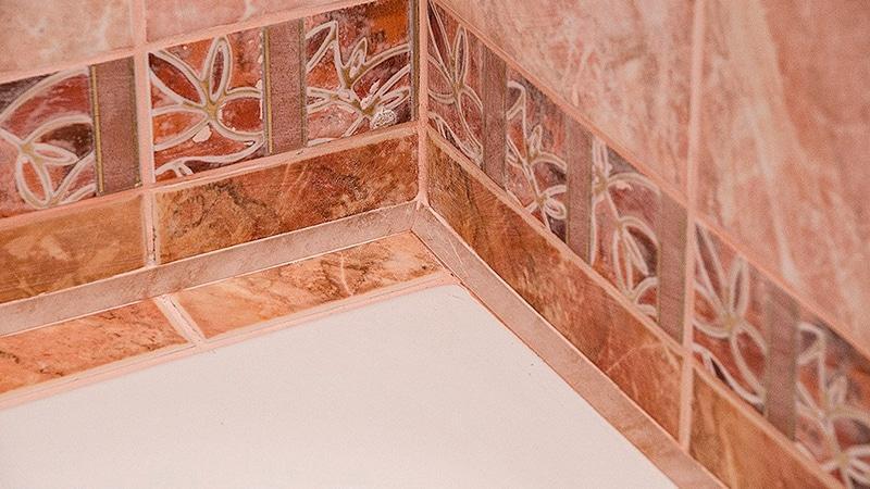 Уголок для плитки в ванную