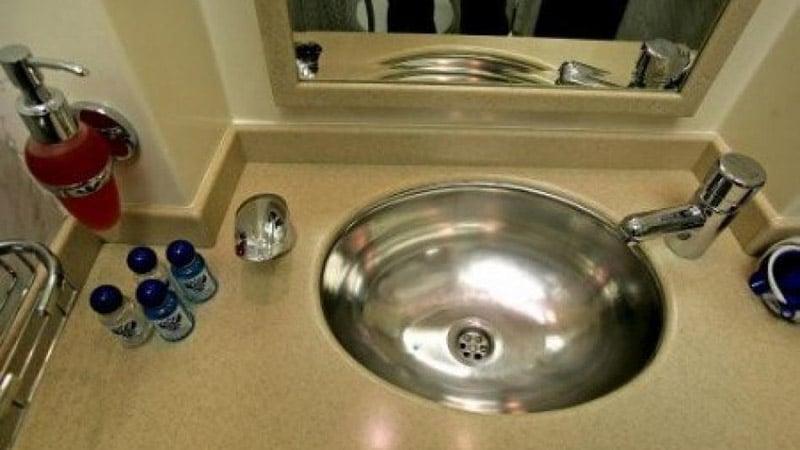 Умывальник в ванную из нержавейки