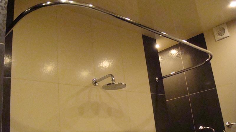 Угловой карниз в ванную