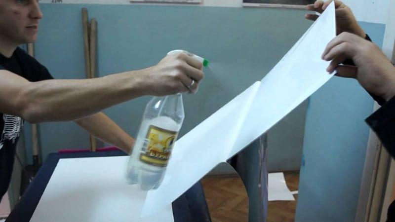 Технология оклеивания стен самоклеящейся пленкой