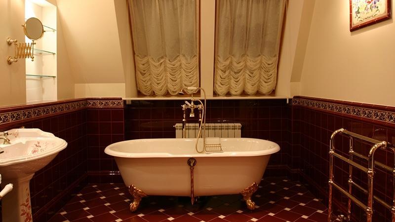 Варианты оформления классической ванной
