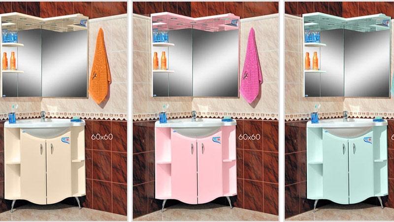 Интерьер санузла с навесными шкафами