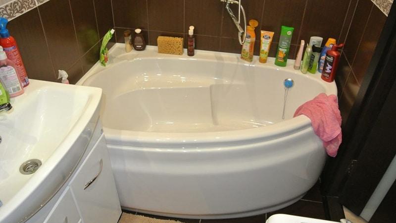 Удобные акриловые ванны Церсанит