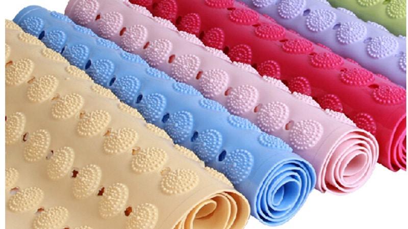 Ассортимент противоскользящих ковриков для детей