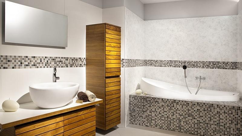 Навесной пенал для ванной комнаты