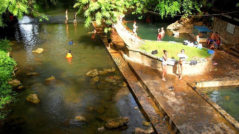 Естественный источник радоновых ванн
